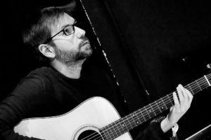 Daniele Romeo - chitarra acustica, chitarra elettrica, chitarra classica, band, propedeutica strumentale, laboratorio 0-3