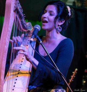 Valeria Villeggia - canto, coro per tutti, laboratori